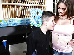 Gung-ho and busty mom Cathy Heaven have a passion Jordi El Niño