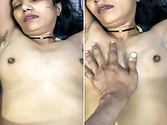 Today Exclusive- Lord it over Hot Look Desi Wife Boob Pressing And Close-fisted Pussy Hard Fucked By Hubby