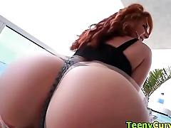 Roundass slut twerking